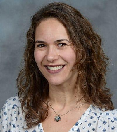 Cantor Hollis Suzanne Schachner, Cantor